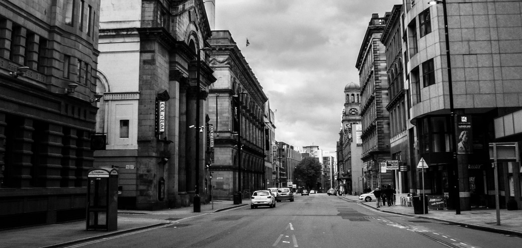 Following the Absence Track in Manchester: Traces and Leisure sites in Peter Street